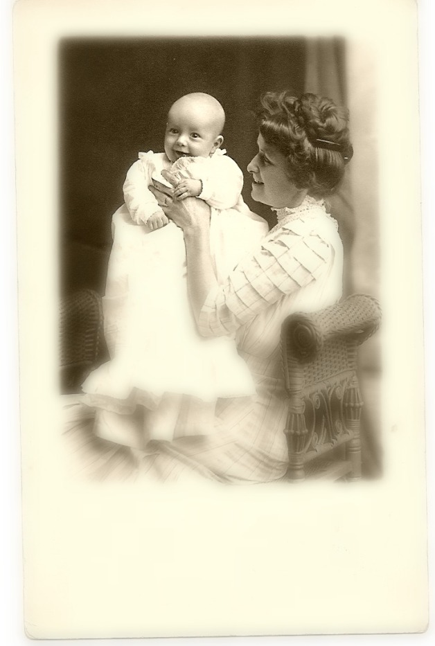 Bedie Harrington Vannoy holding baby Paul, as yet unnamed at the time this photograph was taken in 1911.