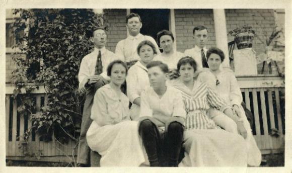Minor Family Group Shot circa 1915. Back row (l-r): unknown, Robert Minor, May Minor, unknown. Middle: unknown. Front row: Helen Minor, Donald Minor, unknown, unknown.