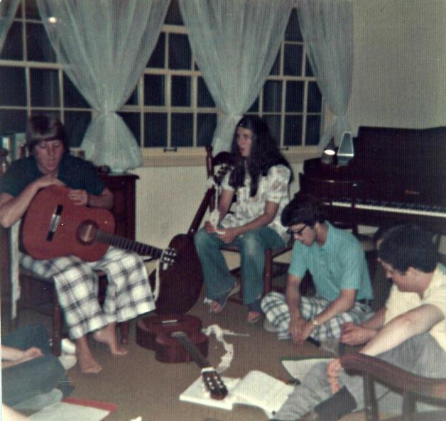 Sonrise Singers Practice.3